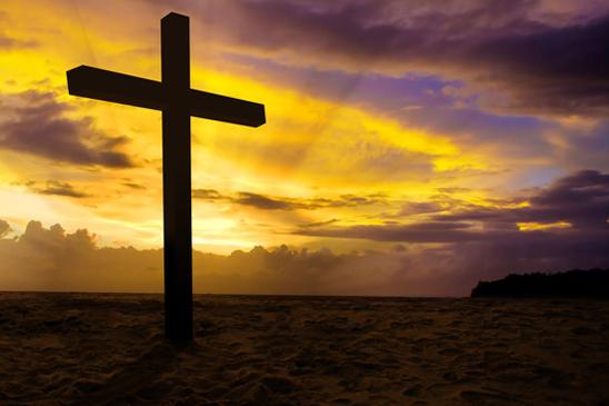 photodune-4047622-christian-cross-on-sunset-background-xs2